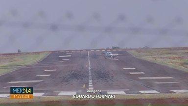 Avião atinge fiação de energia elétrica em Cascavel - Mais de 4 mil imóveis ficaram sem luz por mais de uma hora e meia.
