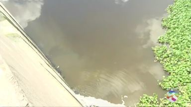 Candidatos à Prefeitura de Caruaru apresentam propostas para o rio Ipojuca - Projeto de saneamento do rio está em prática desde 2013, deveria ter terminado em 2019, mas água permanece muito suja.