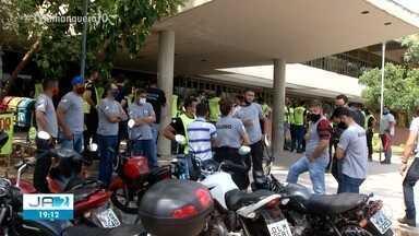 Familiares de detentos e aprovados em concurso fazem protestos em Palmas - Familiares de detentos e aprovados em concurso fazem protestos em Palmas