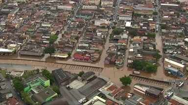 Temporal na região metropolitana de São Paulo pôs a cidade em estado de alerta - Em duas horas, choveu o equivalente a 30% da média do mês inteiro.