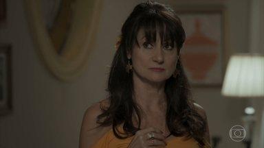 Edinalva tenta se desculpar com Cândida - Ela acaba pedindo mais um favor para a mãe de Jeiza