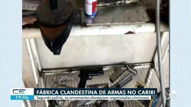 Polícia Militar descobre fábrica clandestina de armas em Juazeiro do Norte - Saiba mais no g1.com.br/ce