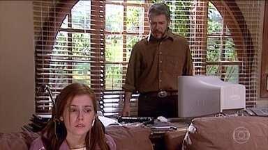 Íris irrita Pedro novamente - Íris insiste em provocar Pedro e seu casamento