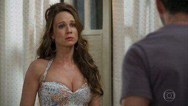 Apolo e Tancinha discutem por causa de Beto - Ela fica aflita com a sugestão do noivo de adiar o casamento. Apolo questiona o amor da jovem e desabafa com Nair