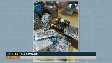 Anabolizantes e remédios são apreendidos na BR-277, em Cascavel - Medicamentos estavam escondidos na cabine de um caminhão. Motorista, de 40 anos, foi preso.