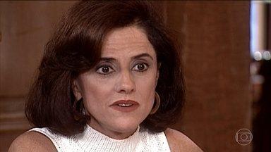 Alma pede a Estela e Edu que aguardem algumas semanas para a reunião de avaliação do patrimônio - Alma diz que o advogado está doente