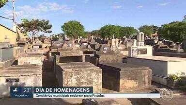 Pandemia muda os rituais nos cemitérios no dia de Finados - Os cemitérios da capital reabriram para a visitação. Igreja Católica fez plantio de árvores em homenagem às vítimas da Covid.