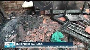 Homem tem casa incendiada após acidente com vela no Dia de Finados em Teresina - Homem tem casa incendiada após acidente com vela no Dia de Finados em Teresina