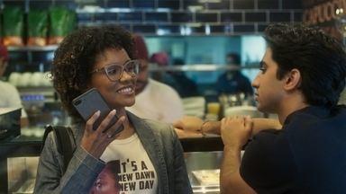 Cinco histórias - As meninas trocam mensagens sobre seus problemas e pedem conselhos. Quando Tina se acidenta, as amigas refletem sobre o destino que escolheram para suas vidas.