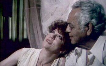 Arnaldo Jabor lança o filme 'Tudo Bem' - O filme contou com astros como Fernanda Montenegro, Paulo Gracindo e Zezé Motta. O longa metragem ganhou o primeiro lugar no Festival de Brasília de 1978.