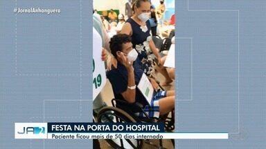 Familiares comemoram alta de homem após vencer luta contra Covid-19, em Formosa - Paciente ficou mais de 50 dias internado.