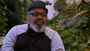 Jorge Aragão - Descontraído e sorridente, Jorge Aragão fala sobre sua relação com a música em diversos momentos da vida. O cantor comenta ainda o espaço que o samba ganhou na cultura brasileira.
