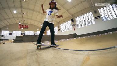"""Rayssa Leal - Estamos com a Rayssa Leal em Imperatriz – MA, acompanhando a rotina, ouvindo sobre a vida no skate e amizades. Em Teresina, ela volta ao local onde deu a primeira manobra e ficou conhecida como """"Fadinha do Skate""""."""