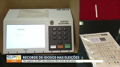 Mais de 2 milhões de idosos devem ir às urnas na capital - Eleitores acima de 60 anos terão prioridade para votar entre 7 e 10 horas da manhã.