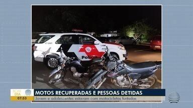 Polícia Militar recupera motos furtadas e detém cinco pessoas - Equipes receberam denúncias sobre atitudes suspeitas.