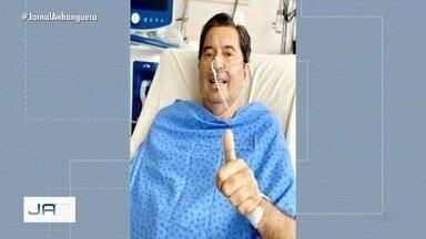Maguito Vilela tem 'melhoras significativas' em tratamento contra Covid-19, diz assessoria - Ele apareceu sorrindo em foto nesta quinta-feira.