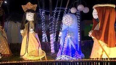Jaci tem decoração especial e iluminada para o Natal deste ano - Aos poucos as cidades da região vão entrando no clima do Natal. A cidade de Jaci já está bem iluminada.