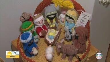 Feira de artesanato reúne produtos natalinos no Recife - Evento acontece no Shopping RioMar, no bairro do Pina.