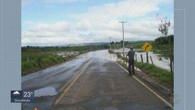Chuva causa transtornos em cidades da região; veja previsão do tempo - Confira a previsão do tempo para a região nesta quarta-feira (18).