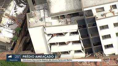 Prédio ameaça cair em Betim - Quinze famílias vizinhas tiveram que sair às pressas de suas casas.