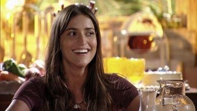 Carol suspeita de que Natália esteja grávida - Natália comemora por Reinaldo finalmente ter ido embora de Vila dos Ventos. Ludmilla segue contrariada
