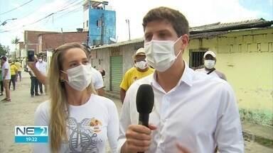 João Campos fala sobre projetos na área de habitação na Zona Sul - Candidato do PSB esteve na comunidade do Bode, no Pina.
