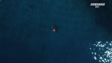 Dentro dos Tubos de Teahupo'o - Em Teahupo'o, no Taiti, Filipe faz sessões incríveis em ondas imensas e desafiadoras.
