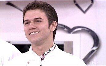 Henrique é o novo líder do Super Chef - Chef se deu bem na prova do preparo das refeições.