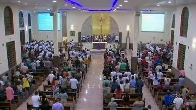 Uma semana depois, vítimas da tragédia de Taguaí são homenageadas - A última quarta-feira (2) foi marcada por homenagens às 42 vítimas da tragédia de Taguaí (SP), que completou uma semana. A missa de sétimo dia foi realizada na Igreja Santo Antônio, em Itaí (SP), cidade onde a maioria das vítimas morava.