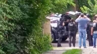 Polícia prende mais dois suspeitos de assalto em Criciúma, SC - A Polícia Federal investiga a participação de uma facção criminosa no assalto. Com isso, sobe para 11 o número de presos.