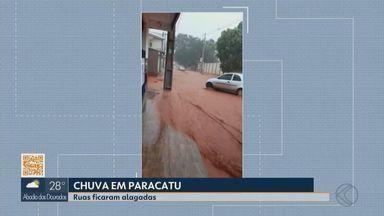 Chuva provoca alagamentos em Paracatu - De acordo com Corpo de Bombeiros, chuva começou na tarde de quarta-feira. Foram registradas três ocorrências de pessoas ilhadas.