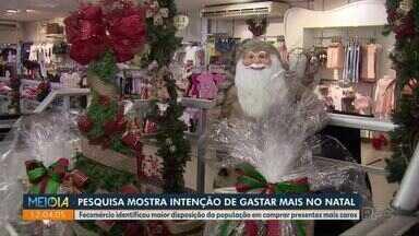 Paranaenses pretendem gastar mais com presentes de Natal - É o que aponta uma pesquisa feita pela Fecomércio