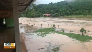 Rio transborda e atinge comunidades de Conceição do Castelo, no Sul do ES - Assista.