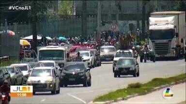 Funcionários terceirizados da Equatorial protestam pelo segundo dia em Belém - Eles cobram melhores condições de trabalho
