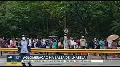 Turistas e moradores enfrentam filas para fazer a travessia da balsa - Aglomeração na balsa para Ilhabela depois das restrições sanitários impostas na cidade.