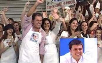 Torcida do Henrique - Animação não falta na casa da família do finalista, em Belo Horizonte.