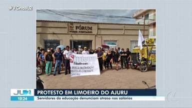 Servidores da educação protestam em Limoeiro Ajuru - Servidores da educação protestam em Limoeiro Ajuru