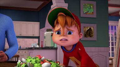 O Trote - Um telefonema de Alvin sai do controle quando a pessoa do outro lado da linha promete rastreá-lo.