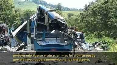 Advogado de motorista envolvido no acidente de Taguaí comenta sobre o caso - Confira uma entrevista com o advogado do motorista do ônibus envolvido no acidente que matou 42 pessoas em Taguaí (SP), no dia 25 de novembro de 2020. Após quase dois meses, Hamilton Gianfratti explicou a versão do cliente dele sobre o ocorrido.