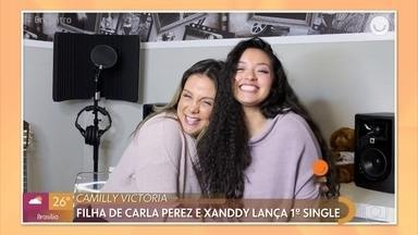 Camilly Victória, filha de Carla Perez e Xanddy lança primeira música - Morando nos Estados Unidos, Camilly costuma compor em inglês e conta com o apoio da família em sua carreira