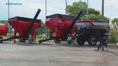 Fábricas de máquinas agrícolas não conseguem atender pedidos por falta de matéria prima - Assista ao vídeo.