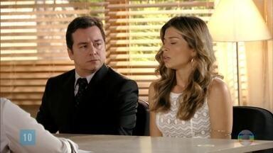 Simone depõe na audiência sobre a guarda de Laurinha - As profissionais liberam Ester e chamam a psicóloga para conversar