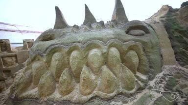 Em Movimento: Reveja o segundo bloco do programa, 23 - Escultura com areia e papo sobre reciclagem são os destaques do Em Movimento, 23