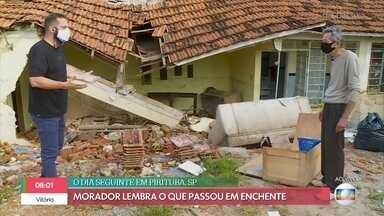 Morador mostra casa devastada após enxurrada em Pirituba, São Paulo - Ele lembra o que passou durante a enchente