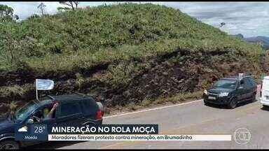 Moradores protestam contra mineração no Parque Estadual do Rola Moça, em Brumadinho - Local é unidade de conservação e moradores temem impactos ambientais.