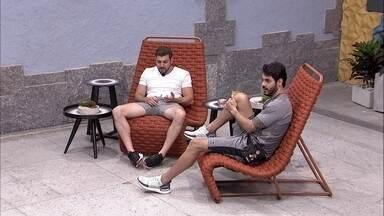 Rodolffo fala para Caio: 'Se você receber indicação do Nego Di, eu me assusto' - Brothers conversam sobre possível voto no paredão