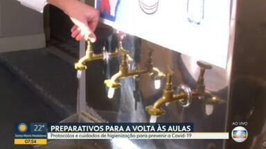 Escolas municipais do Rio estão se preparando para reabrir - Aulas presenciais começam no dia 24 de fevereiro com protocolos de segurança contra a covid-19