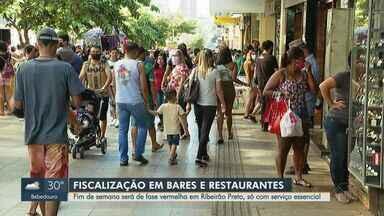 Fase vermelha começa a valer para todas as cidades de São Paulo nos finais de semana - Apenas serviços essenciais podem abrir. Lojas, bares e restaurantes podem funcionar delivery.