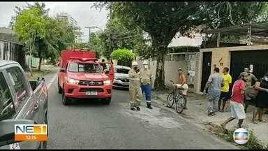 Homem morre eletrocutado em fiação de poste no Recife - Ele foi encontrado por moradores nesta sexta-feira (29), no bairro da Encruzilhada.