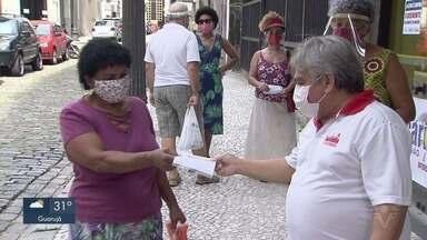 Funcionários do Banco do Brasil realizam paralisação de 24h na Baixada Santista - Ação é contra a reestruturação do banco, que prevê a adesão de cerca de 5 mil funcionários a programas de demissão voluntária.